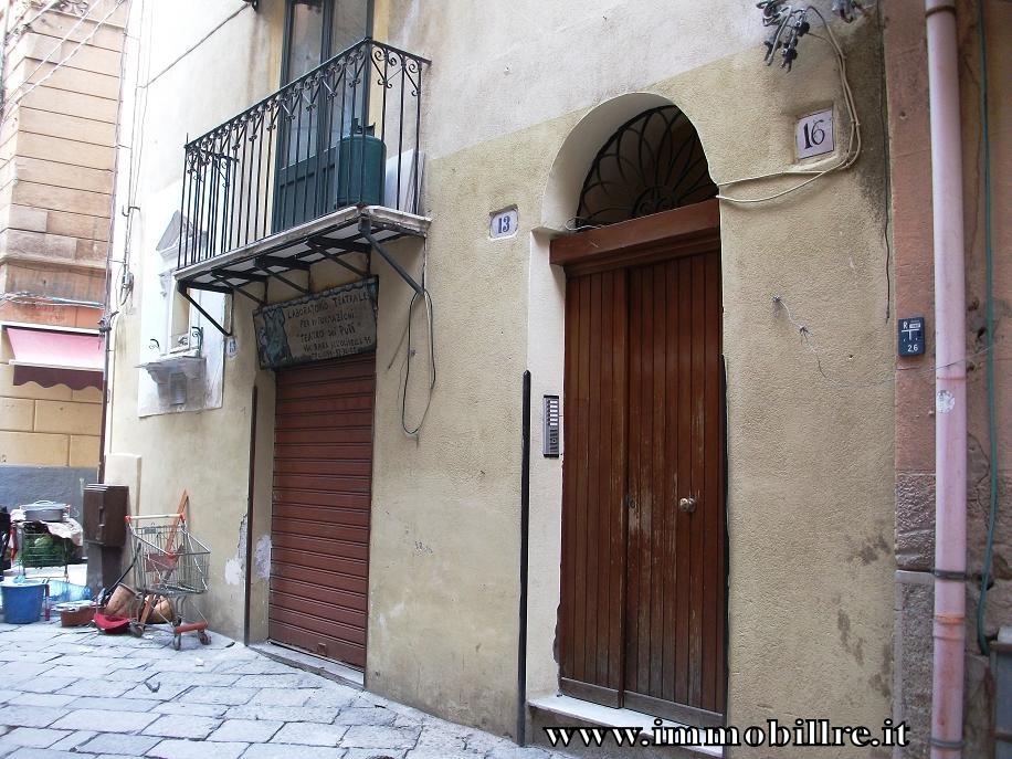 Bilocale Palermo Via Orologio 3